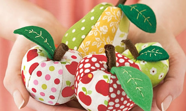 How to make an apple pin cushion -25+apple projects and kids crafts - NoBiggie.net