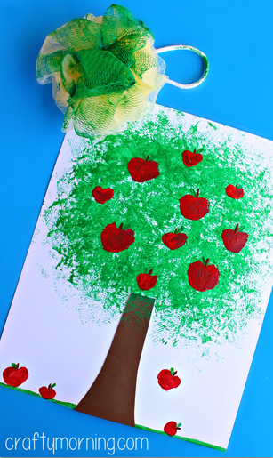 Make an Apple Tree Craft Using a Pouf Sponge - 25+apple projects and kids crafts - NoBiggie.net