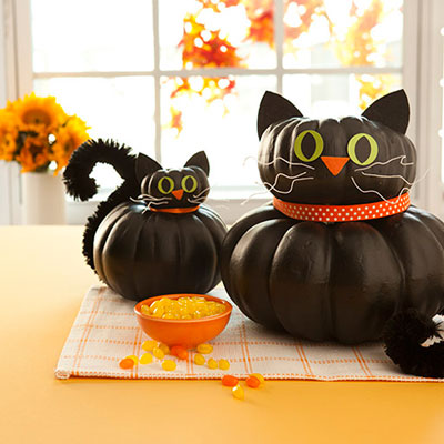 Make halloween black cat pumpkins | 25+ no-carve pumpkin ideas