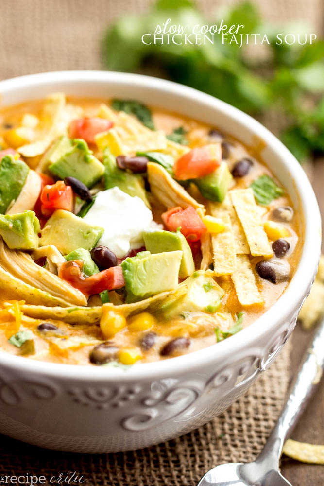 Slow cooker chicken fajita soup | 25+ delicious soup recipes