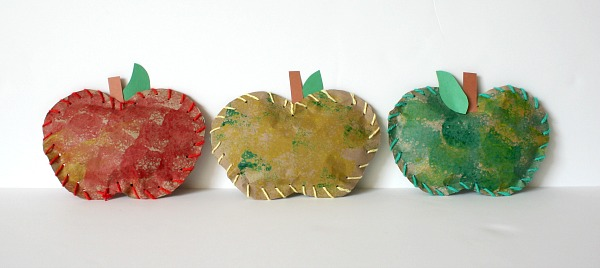 Stuffed Paper Apples - 25+apple projects and kids crafts - NoBiggie.net
