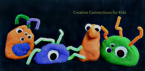 Crazy play dough monsters | 25+ Halloween crafts for kids