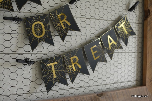 DIY banner for Halloween | NoBiggie.net