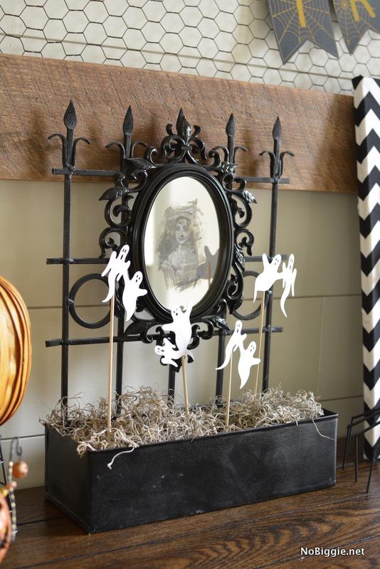 DIY spooky Halloween Mirror | NoBiggie.net