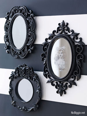 DIY spooky Halloween mirror | 25+ Halloween party decor ideas