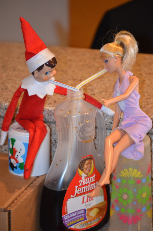 Elf on the Shelf Sippin on syrup | 25+ elf on the shelf ideas