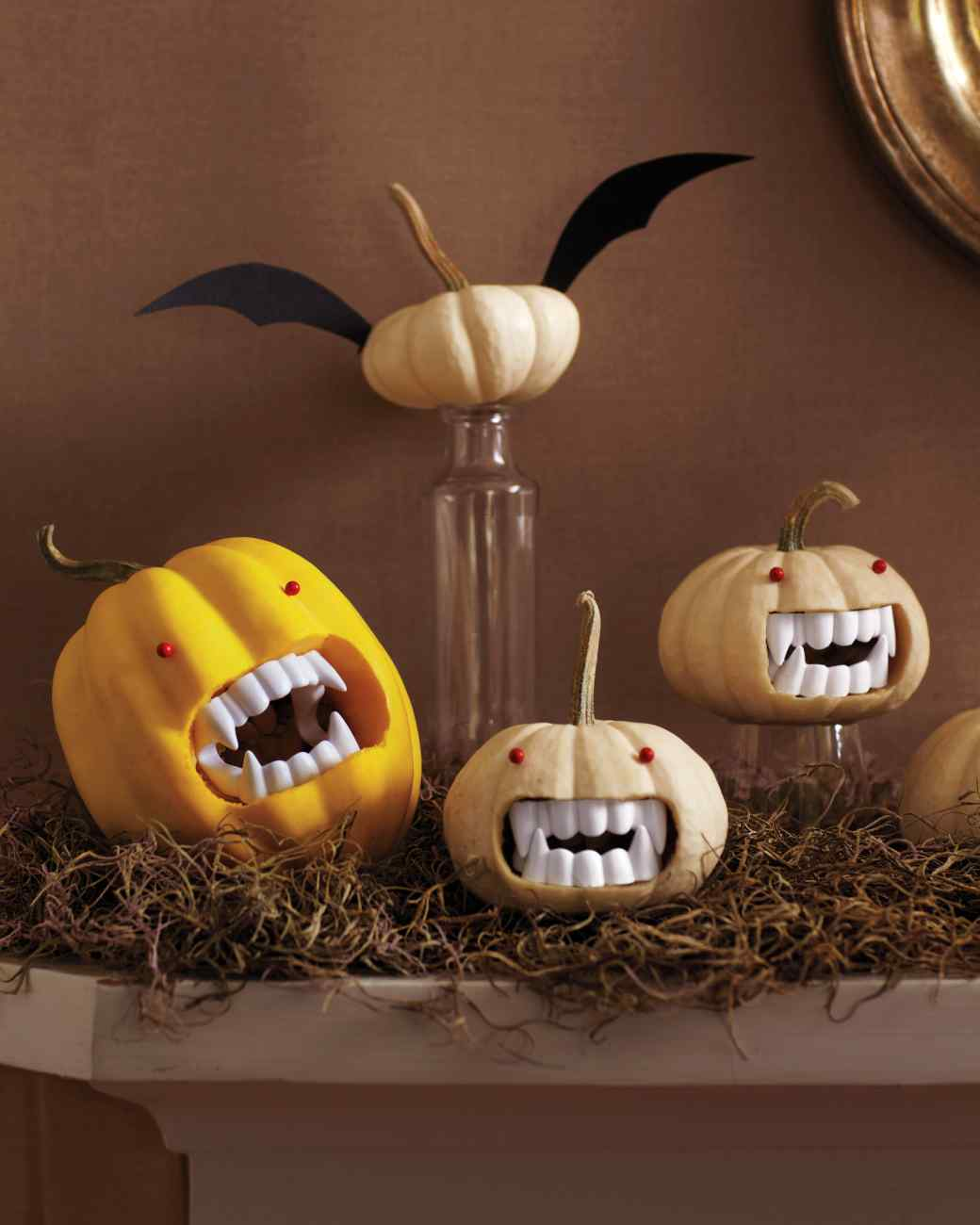 Fanged Pumpkins | 25+ Halloween party decor ideas
