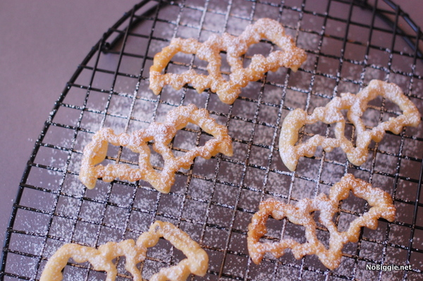 Halloween Rosette Bat Cookies   25+ Halloween Party Food Ideas
