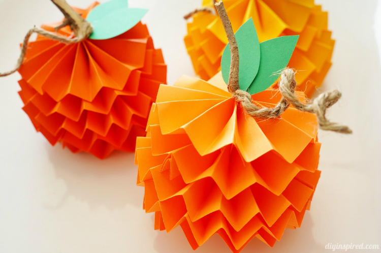Paper Pumpkins | 25+ Halloween crafts for kids