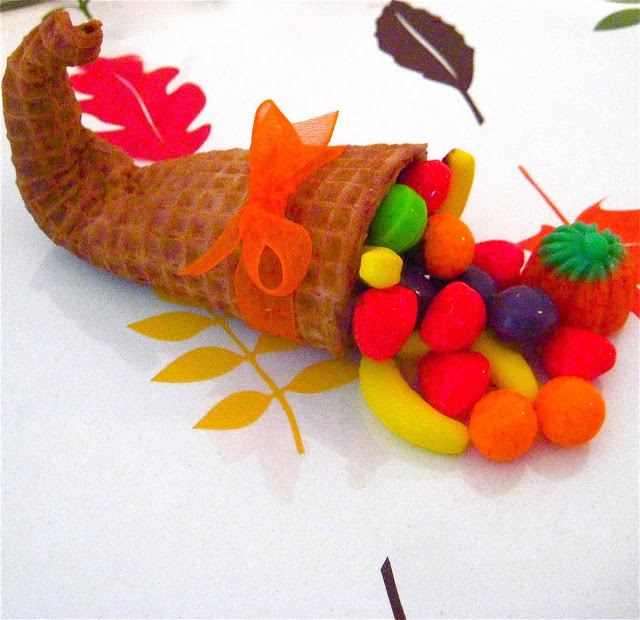 Thanksgiving Sugar Cone Cornucopia | 25+ Thanksgiving treats