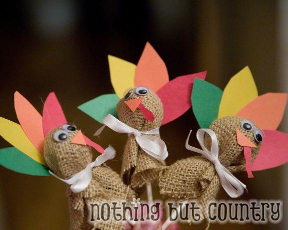 Turkey lollipops | 25+ Thanksgiving treats