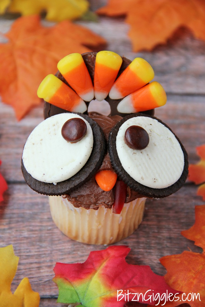 Wide Eyed Turkey Cupcakes | 25+ Thanksgiving treats
