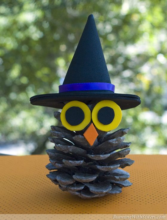 Witchy Pinecone Owl | 25+ Halloween crafts for kids