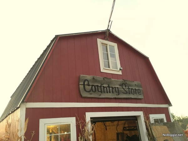 country store at Hee-Haw Farms