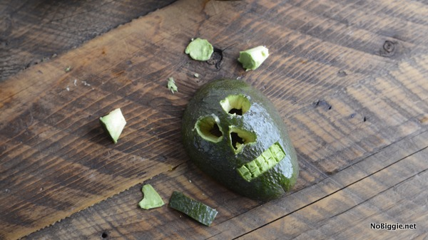 how to make an avocado skull | NoBiggie.net