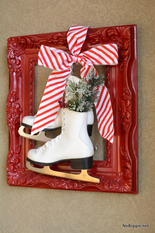Christmas decor frame and skates | 25+ easy DIY Christmas decor | NoBiggie.net