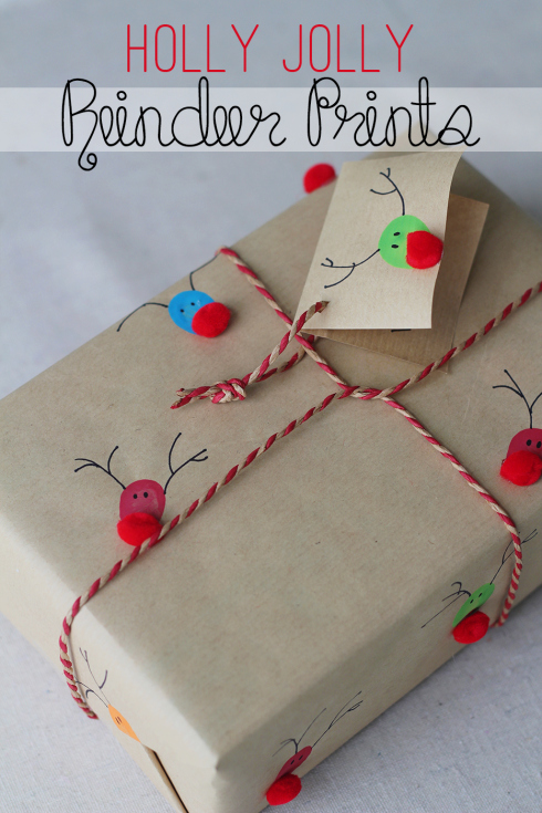 DIY Fingerprint reindeer wrapping paper | 30+ Christmas Wrapping Ideas