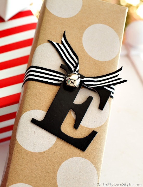 Easy Monogram gift tags | 30+ Christmas Wrapping Ideas