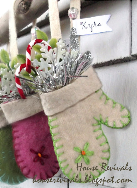 Mini Felted Wool Mitten Ornament Gifts | 25+ Christmas advent calendar ideas