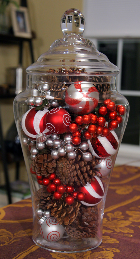 Pine Cone and Ornament Centerpiece | 25+ easy DIY Christmas decor | NoBiggie.net