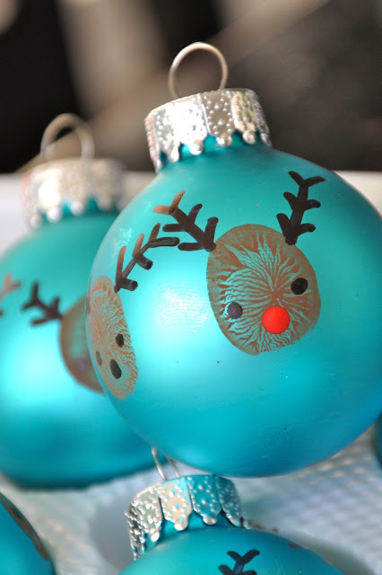 reindeer thumbprint ornament | 25+ Rudolph crafts, gifts and treats | NoBiggie.net
