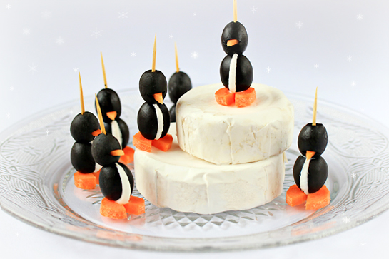 Cream Cheese Olive Penguins | 25+ NYE party ideas
