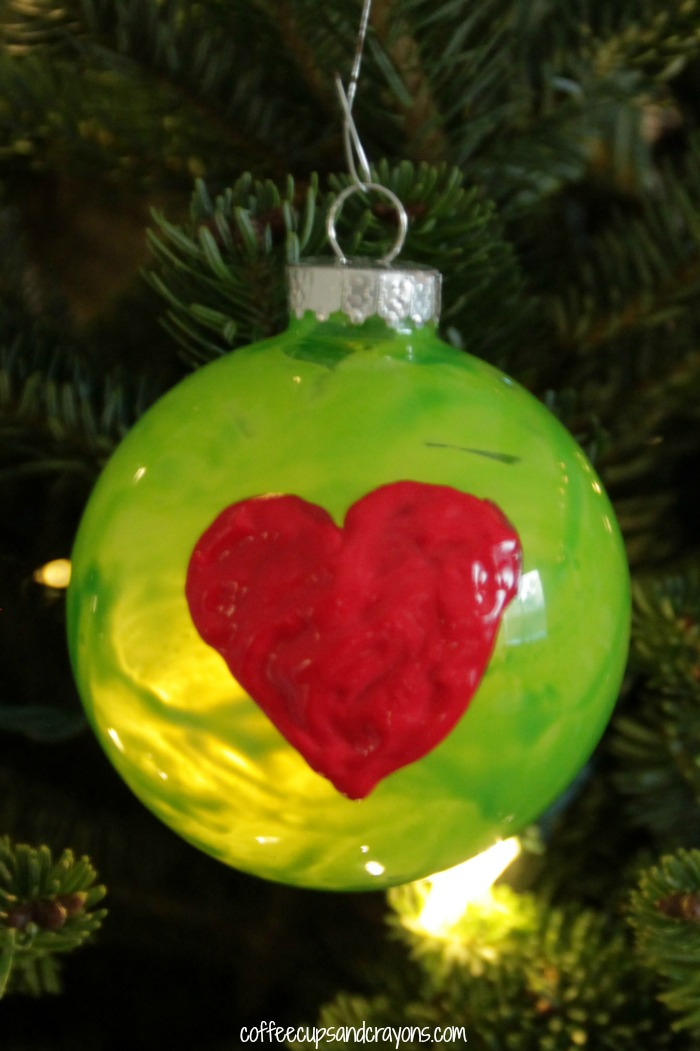 Grinch Christmas Ornament | 25+ Grinch crafts and cute treats