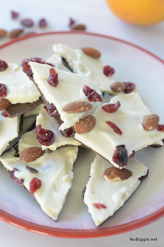 cran-orange chocolate bark with almonds | NoBiggie.net