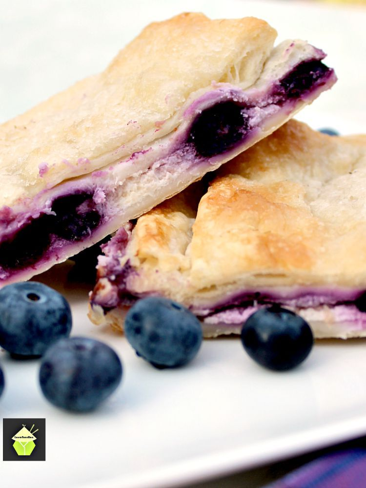 Blueberry Crescent Roll Cheesecake Bars | 25+ Crescent Roll Dough Recipes