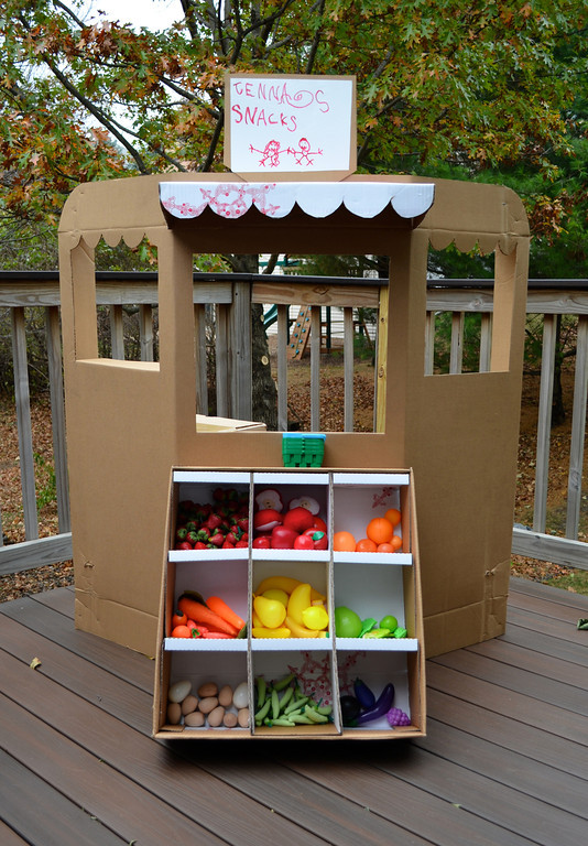 Cardboard grocery store | 25+ things to make with cardboard