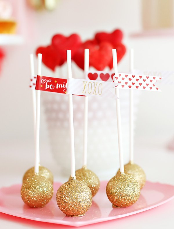 20 Lovely DIY Ideas for  Gold Valentine's Day Decor