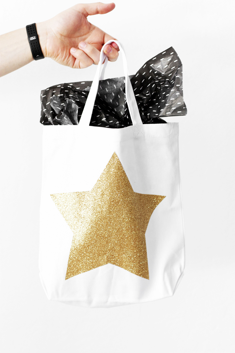 Oscars party DIY swag bags | 25+ Oscar Party Ideas