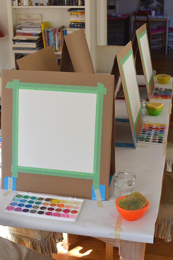 cardboard easel | 25+ things to make with cardboard