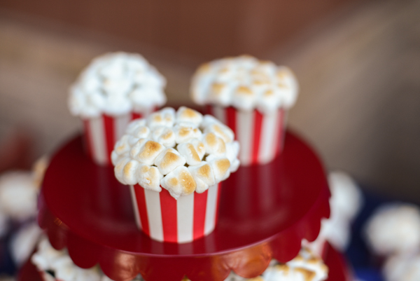 popcorn cupcakes | 25+ Oscar Party Ideas
