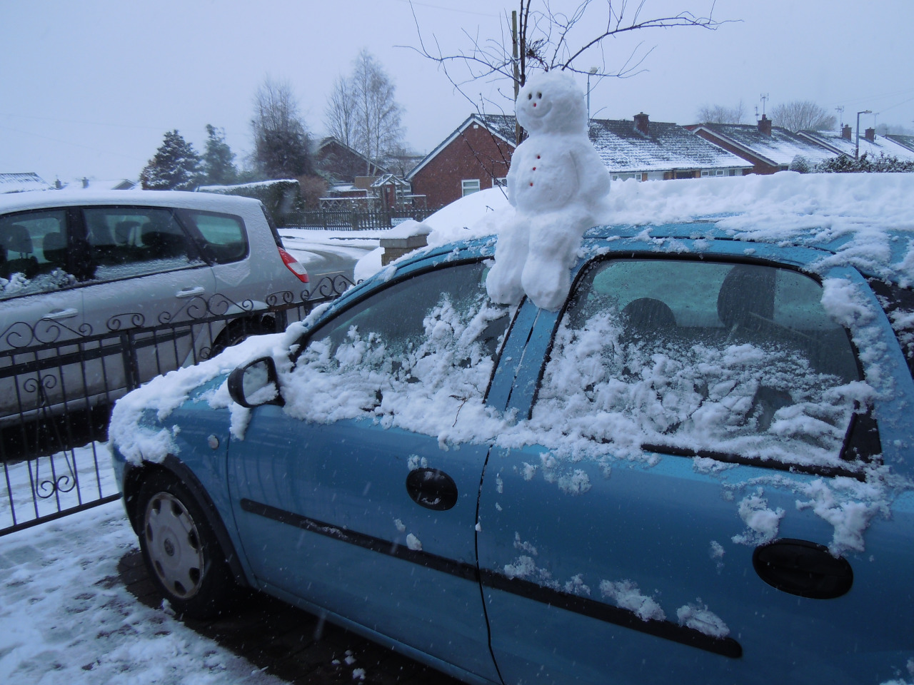 snowman on the car