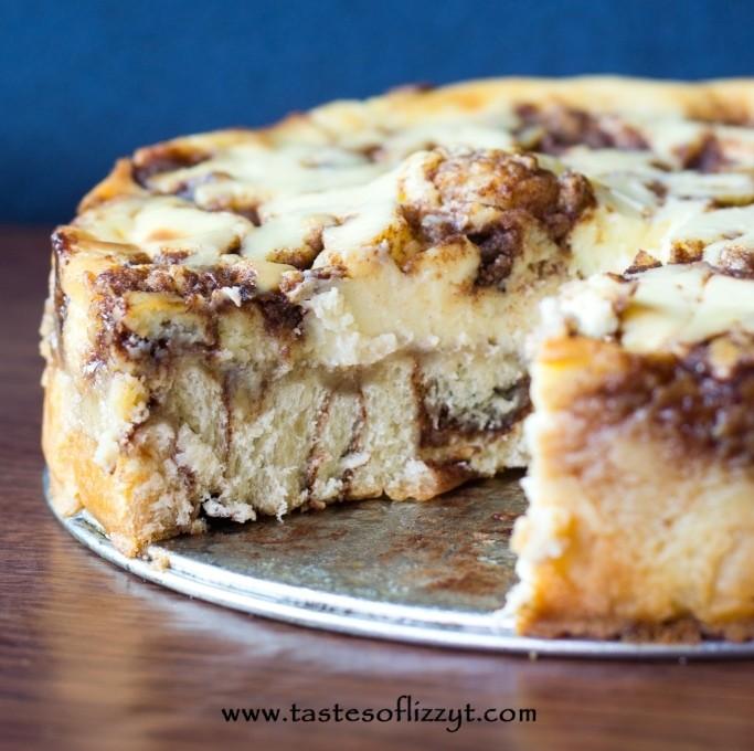 Cinnamon Roll Cheesecake | 25+ Cheesecake Recipes