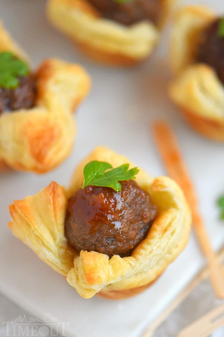 Cranberry Orange Meatballs | 25+ slow cooker appetizer recipes