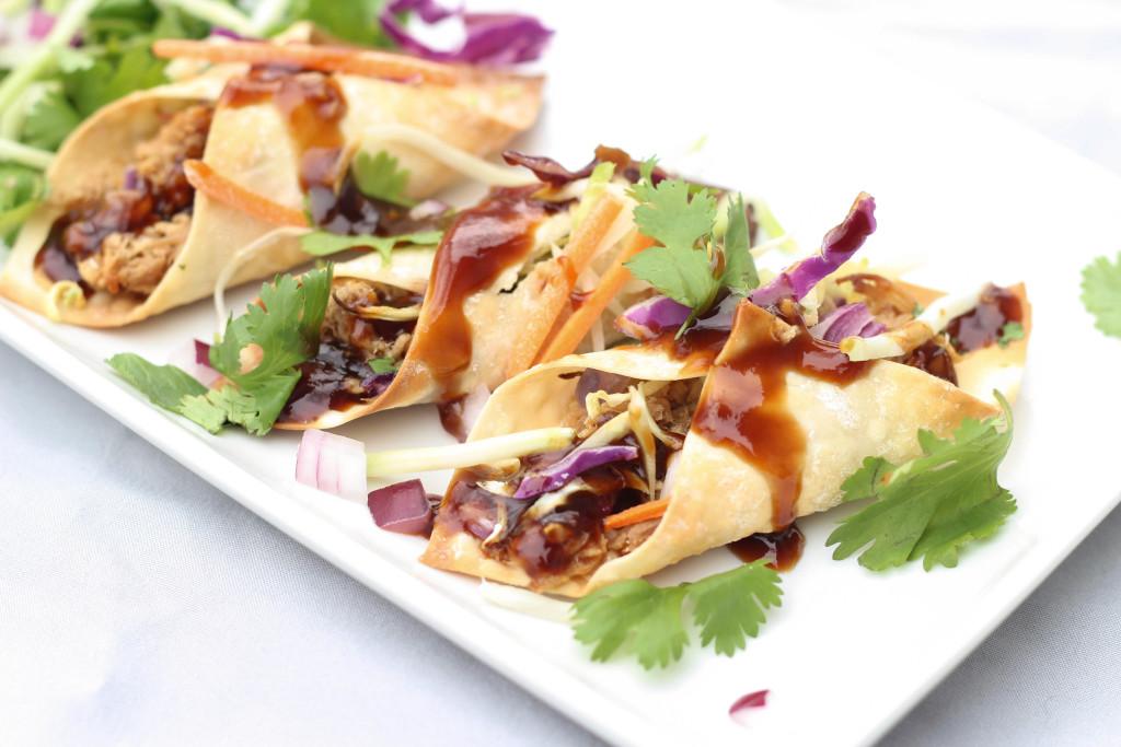 Hawaiian BBQ Pork Tacos | 25+ slow cooker appetizer recipes