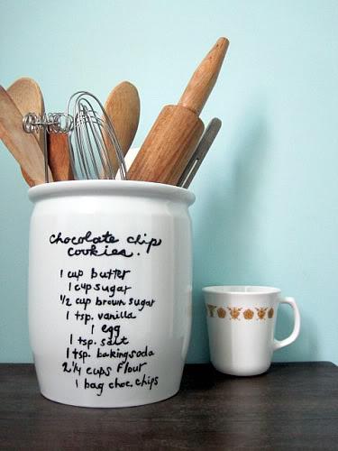 DIY recipe utensil holder | 25+ Sharpie Crafts