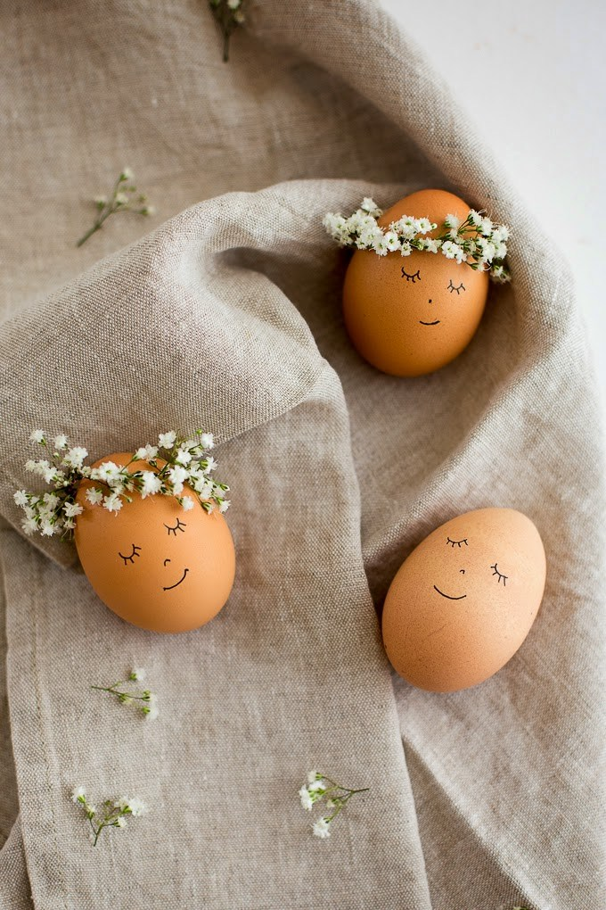 18 Simple and Easy DIY Ways to Decorate Easter Eggs