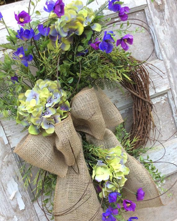 http://www.nobiggie.net/wp-content/uploads/2016/03/Hydrangea-Wreath.jpg