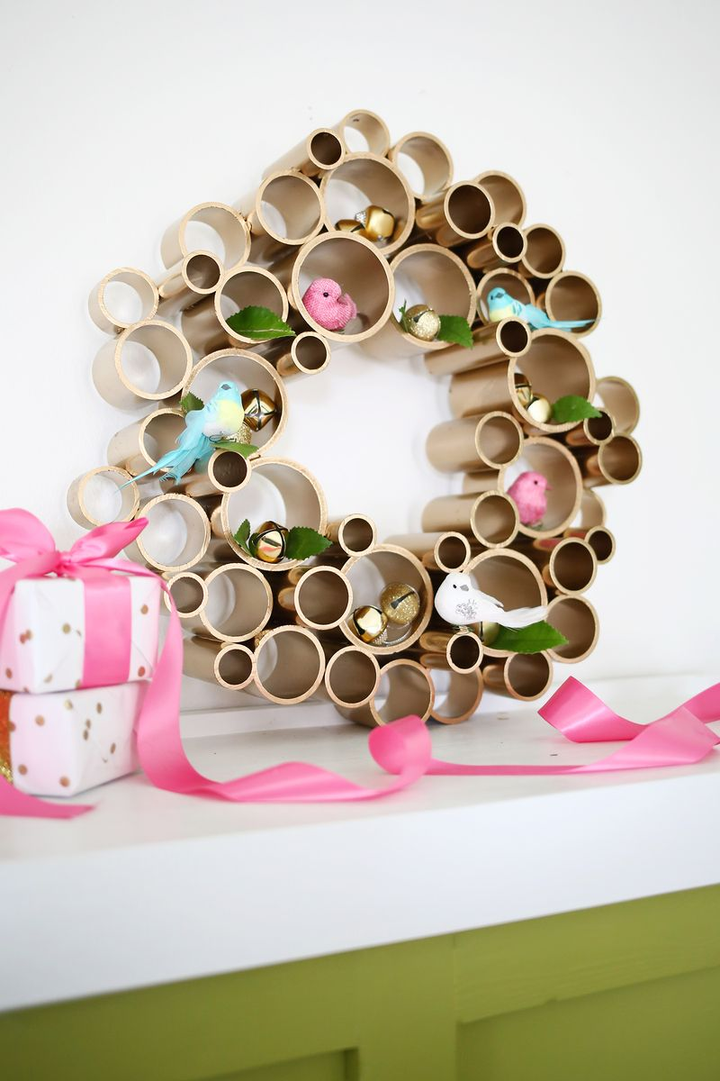 PVC Pipe Wreath | 25+ things to make with PVC Pipe