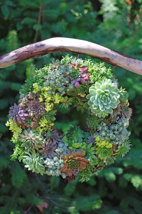 25  spring wreaths