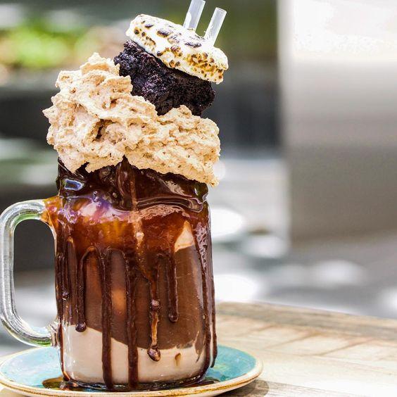 The Muddy Pât   20+ Extreme Milkshakes