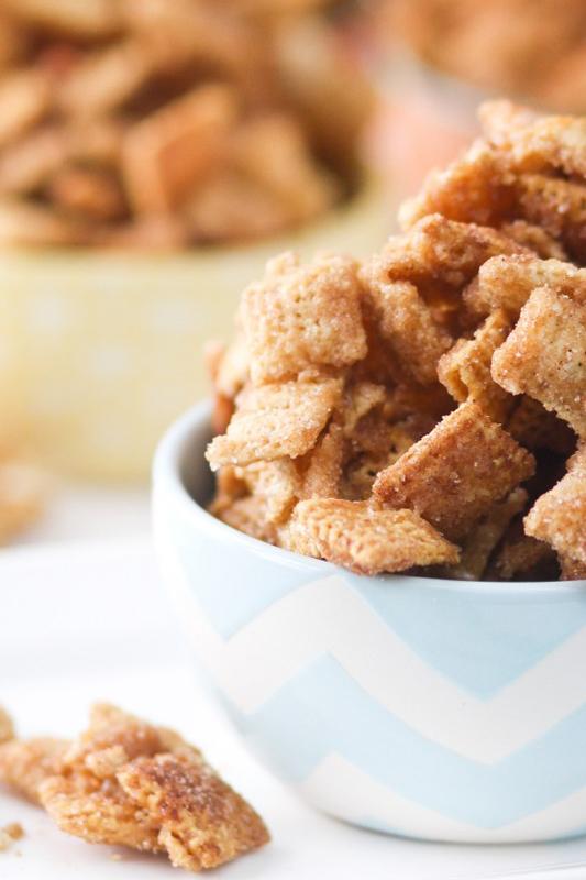 Caramel Churro Chex Mix | 25+ Churro Recipes