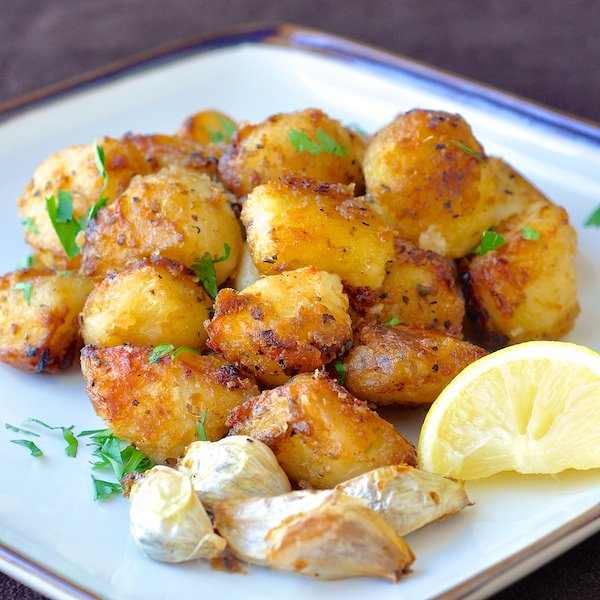 Lemon Herb Roasted Potatoes | 25+ Potato Side Dishes