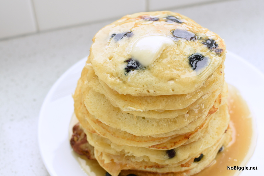 the most fluffy buttermilk pancakes