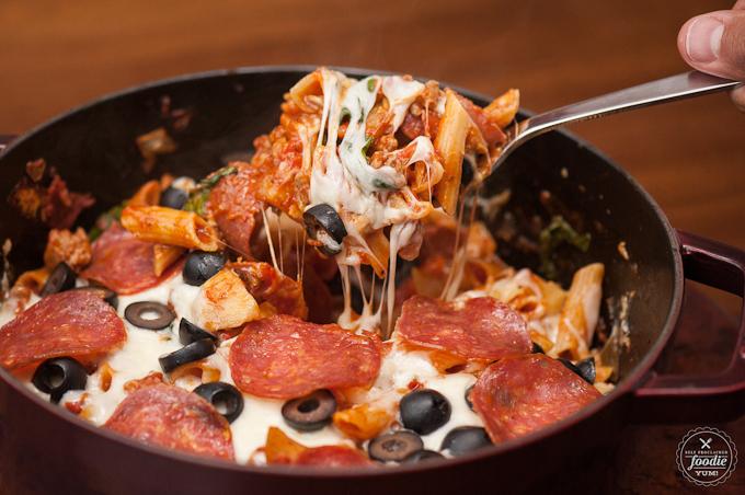 http://www.nobiggie.net/wp-content/uploads/2016/05/Cheesy-Pizza-Pasta-Bake.jpg