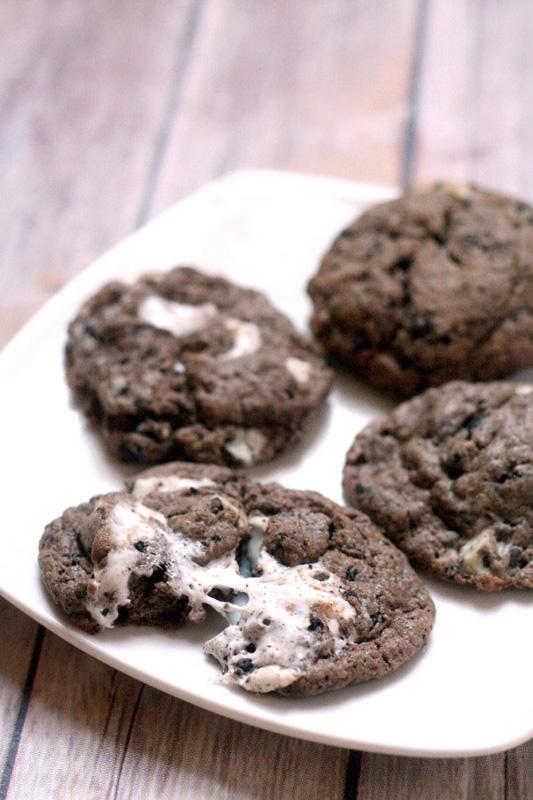 Chocolate Cookies n Cream Cookies | 25+ Oreo Recipes