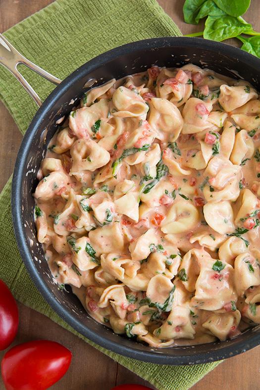 Creamy Spinach Tomato Tortellini | 25+ Pasta Recipes